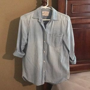 Madewell Chambray Button up Size Small